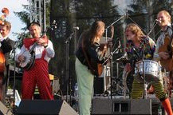 Legendárni Mloci oslávia 25. narodeniny dnešným koncertom v prešovskej Mestskej hale.