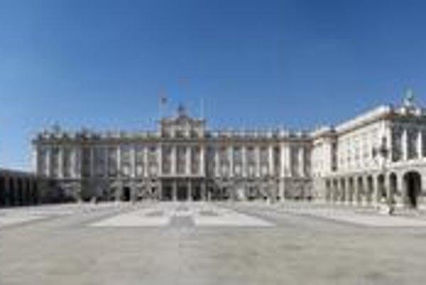Kráľovský palác v Madride. Palác je síce oficiálnou rezidenciou kráľa, ale kráľovský pár v ňom nebýva.