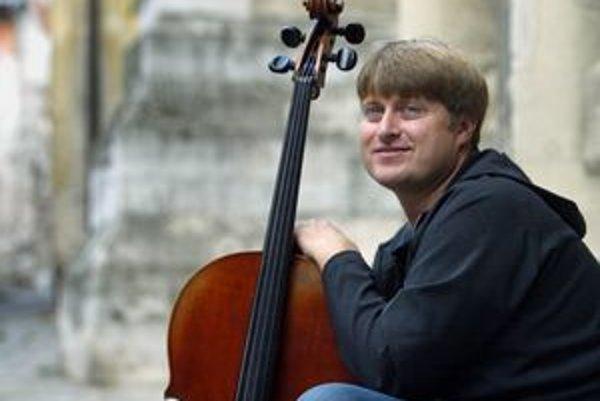 Hlavnou postavou dnešného prvého dňa Festivalu súčasného umenia v Košiciach bude violončelista Jozef Lupták.