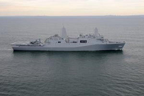 Vojenská loď USS New York LPD 21. V špičke lode je 7,5 tony ocele z dvojičiek Svetového obchodného centra.