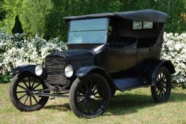 Ford T. Ford T Attilu Ondreja má už viac ako osemdesiat rokov.