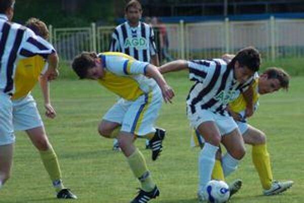 Jeden gól. Vo vyrovnanom spišskom derby Rudňany - Žakarovce rozhodol jeden gól a hostia odchádzali poriadne sklamaní.