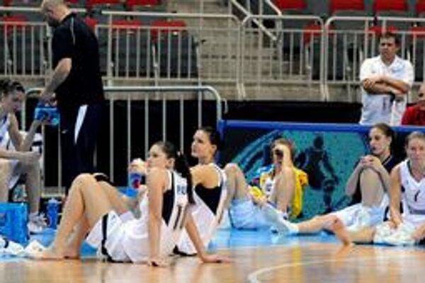 Veľký smútok. Zronené slovenské basketbalistky, postup do semifinále im ušiel o kúsoček.