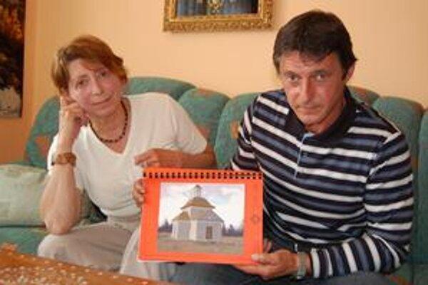 Marta a Ondrej. Spolu s ďalšími 18 dobrovoľníkmi sa snažia zachrániť kus spišskej histórie. Takto by mala vyzerať obnovená kaplnka.