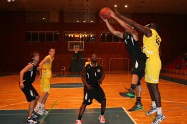 Najbližšie prievidzských basketbalistov čaká dvojzápas s BK Opava.