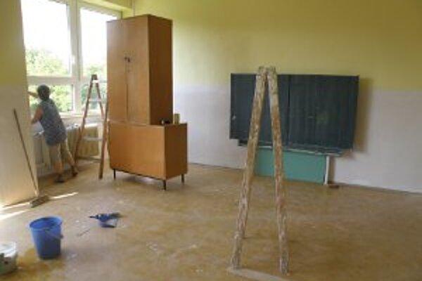 Prázdninovú údržbu robí každá škola v rámci svojich finačných možností.
