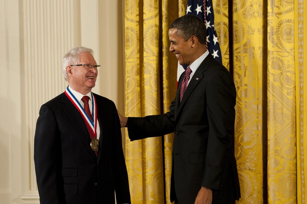 Americký prezident ocenil Jána Vilčeka v roku 2013 Národnou medailou za technológie a inovácie