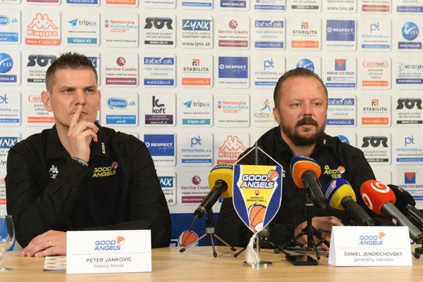 Zľava hlavný tréner GA Košice Peter Jankovič a generálny manažér GA Košice Daniel Jendrichovský.