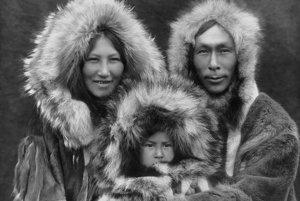 Moderný človek si kedysi šil podobné oblečenie ako Inuiti.