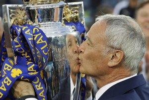Tréner Claudio Ranieri priviedol Leicester City k historickému úspechu.