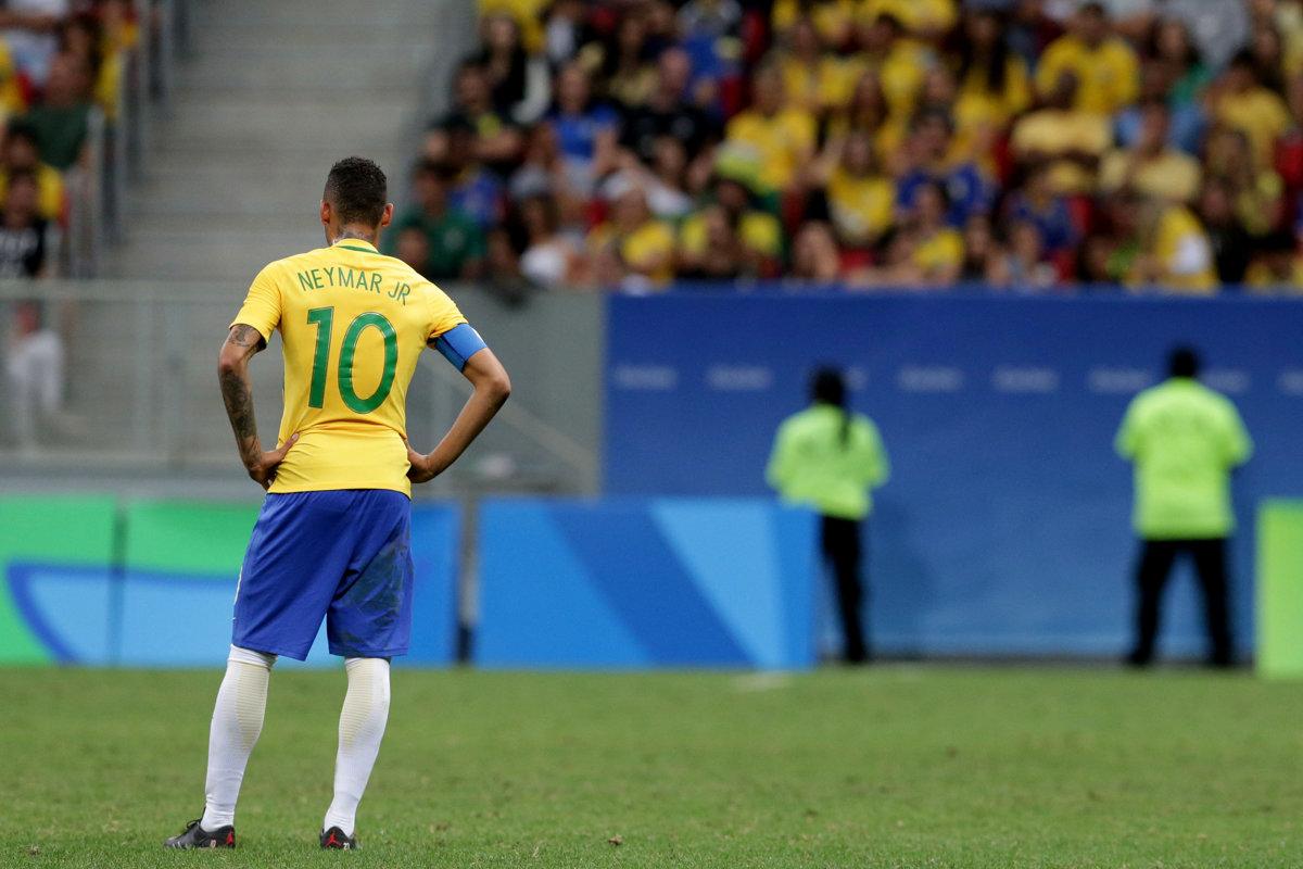 a869380bb03e8 Neymar mal patriť k hviezdam futbalového turnaja. Na olympiáde sa však  strelecky ešte nepresadil.