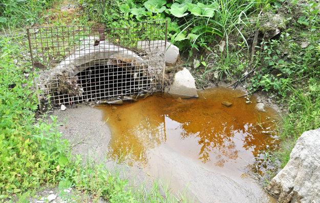 Vysoký obsah arzénu sa nachádza v priesakových vodách.