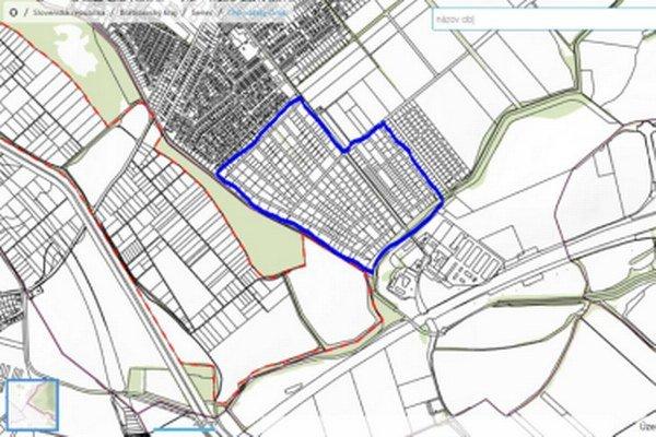 Katastrálne mapy s vyznačenými parcelami v dokumente mali poukázať na záujmy petičného výboru.