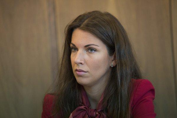 Jednou z pätice je aj poslankyňa Katarína Cséfalvayová.