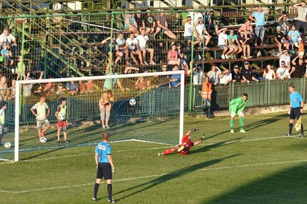 Rozhodujúci gól vpenaltovom rozstrele. Postaral sa oň slovanista Vukan Savičevič.
