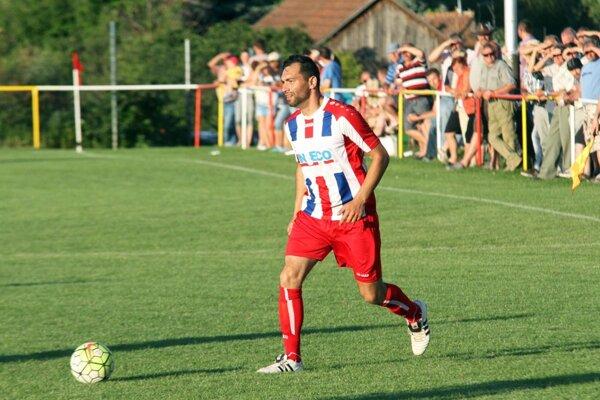 Miroslav Pilo prispel dvoma gólmi k postupu Paty, ktorá sa teší na prvoligové Michalovce.