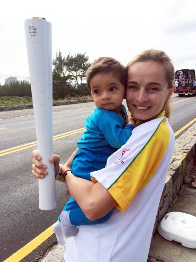Mária s desaťmesačným synčekom Alexandrom.