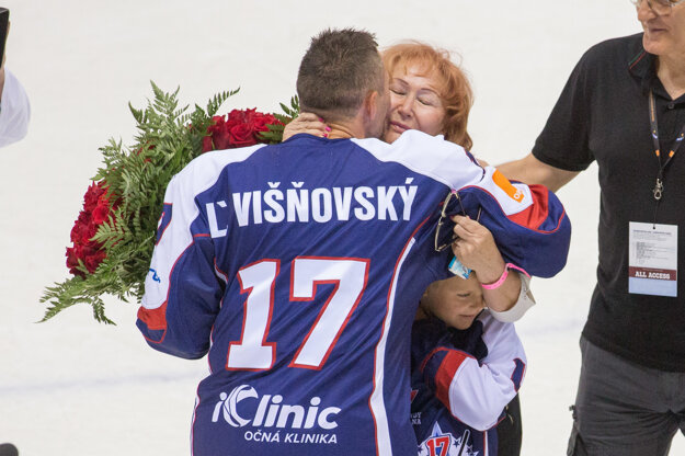Ľubomír Višňovský so svojou rodinou.