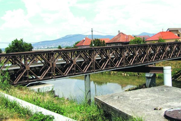 Most v Dolných Krškanoch.
