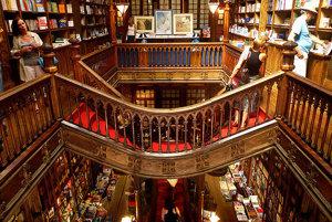 Livraria Lello v Porte je z roku 1906 podľa projektu Xaviera Estevesa.