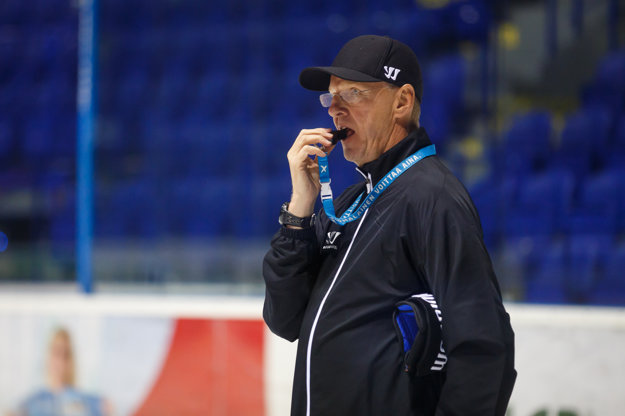 Kari Jalonen. Tréner SC Bern.