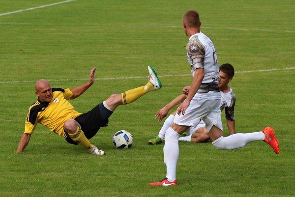 Juraj Siman si výborne plnil defenzívne povinnosti.