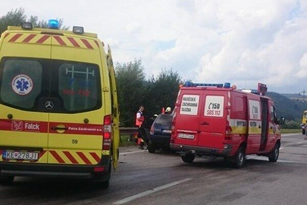Nehoda na ceste 1/11 v Kysuckom Lieskovci.
