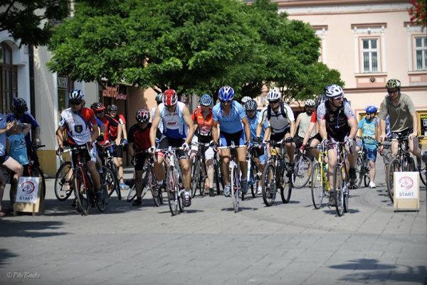 Znovu sa zídu cyklisti. Cyklomaratón bude mať opäť bohatý program.