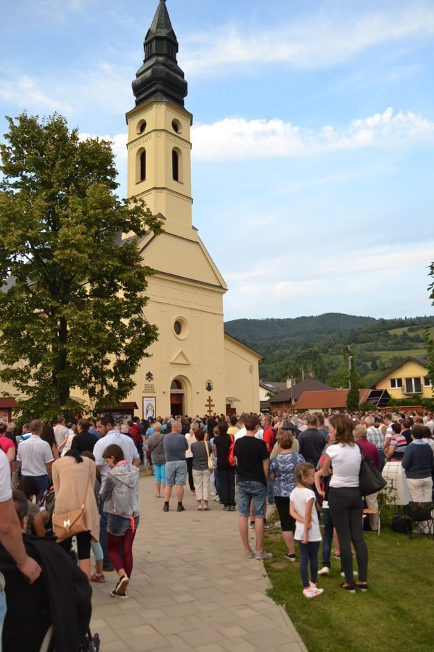 Púť v Ľutine. Je najväčšou v Prešovskej archieparchii.