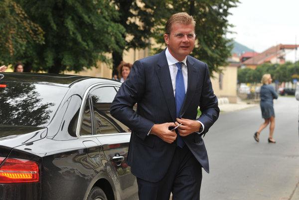 Minister hospodárstva Peter Žiga zo Smeru
