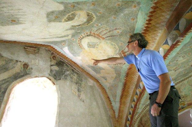 Správca farnosti Dušan Mesík považuje fresky za mimoriadne hodnotné po výtvarnej aj duchovnej stránke.
