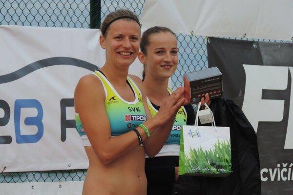 Janka Šimanicová (vľavo) a Magdaléna Kováčiková.