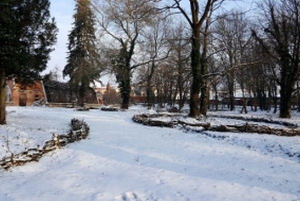 Malý park v Stupave je vzorom v starostlivosti o zeleň.