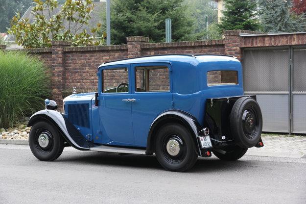 Štvordverová limuzína a kabriolet C boli v ponuke od začiatku výroby. Do roku 1934 bol kufor na batožinu oddelený od karosérie.