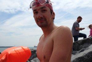 František Nehaj po tréningu na Dover Beach.