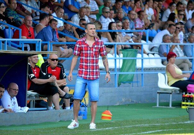 Vedenie ŠK 1923 Gabčíkovo sa rozhodlo pre trénerskú zmenu - Attilu Pinteho nahradil Gábor Straka (na snímke). Jeho debut bol víťazný.