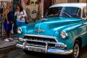 Kuba je krajina paradoxov.