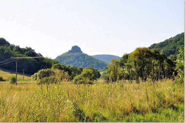 Zvyšky najmladšej sopky na Slovensku ležia v blízkosti Hajnáčky.