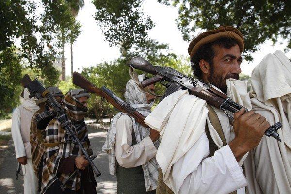 """Hovorca radikálneho hnutia Zabíhulláh Mudžáhid informoval, že rozhovory sa nedajú označiť za ozajstné """"mierové rokovania""""."""