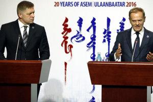 Robert Fico (vľavo) a Donald Tusk.