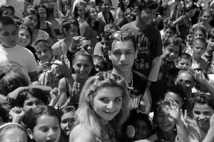 Speváčka Gitana (v popredí) zverejňuje na svojom profile zážitky s priateľmi aj fanúšikmi, ktorých má asi 7 000. Sociálne siete považuje aj za zdroj reklamy.