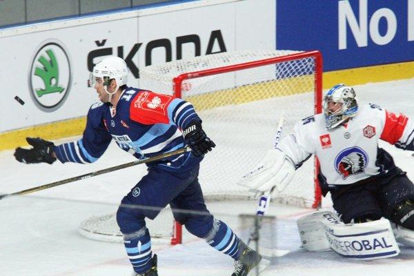 Dvoma gólmi sa na obrate corgoň podieľal David Laliberté. Snímka je z domáceho duelu s Plzňou.