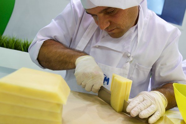 """Objednávky sa len tak začali """"valiť"""" po tom, ako firma tento rok ohlásila plánovaný predaj tejto syrovej špeciality."""