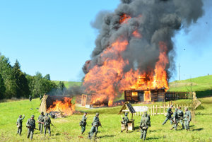 Nemci zapálili drevenice.