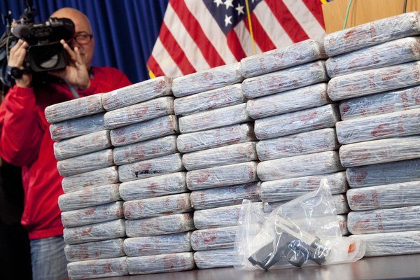 Agenti zabavili asi 70 kilogramov heroínu.