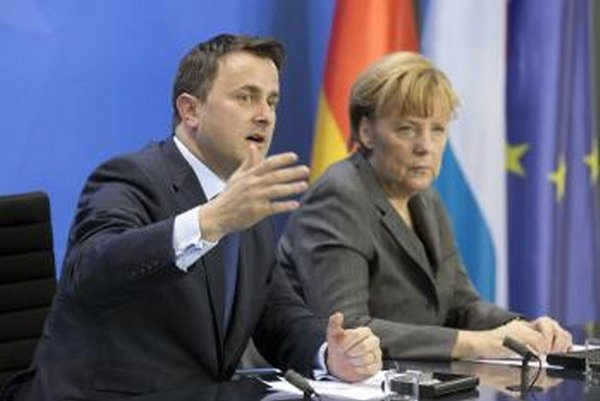 Luxemburský premiér Xavier Bettel a nemecká kancelárka Angela Merkelová.