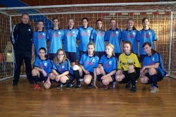 Dievčatá FC Baník Horná Nitra tvoria silnú partiu.