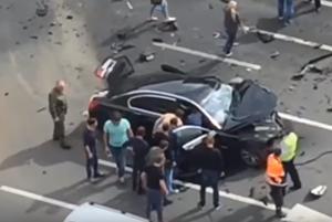 Limuzína ruského prezidenta Vladimíra Putina po čelnej zrážke v Moskve