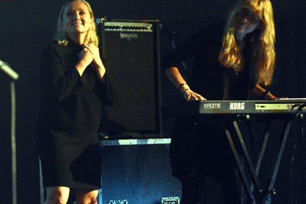 Bára Basiková a Vendula Kašpárková na košickom pódiu.