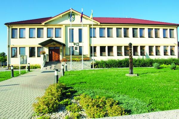 Obecný úrad čelí kríze, starosta viní poslancov zdeštrukčnej činnosti.
